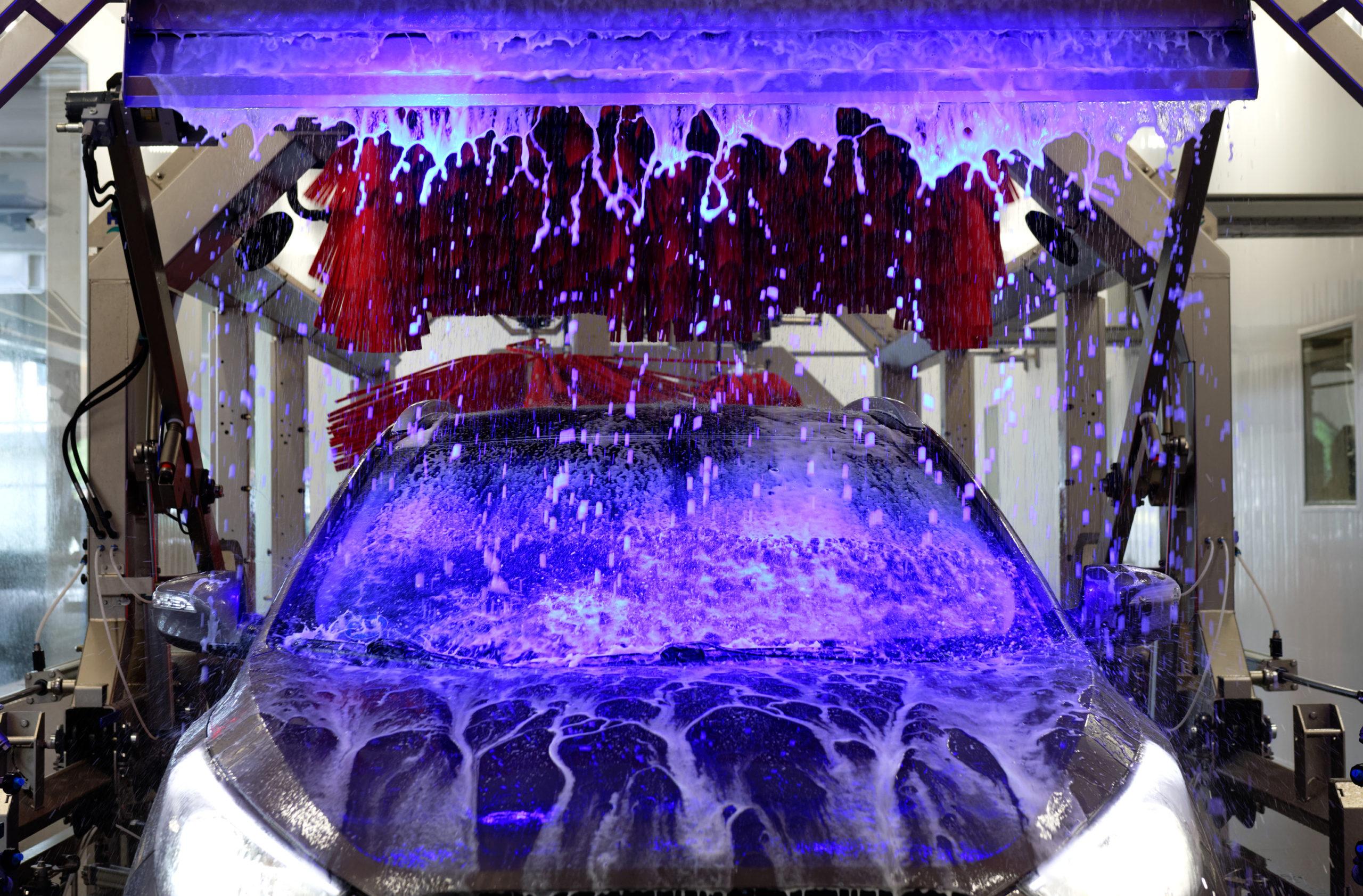 Autoschaumwäsche